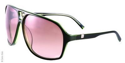 6f6b3ceaf9390 Uma coisa boa nesses óculos da Calvin Klein podem ser usados em cinemas, TV  3D, notebook 3D, e como óculos de sol comum.